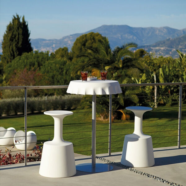 Outdoor-Plastic-Wine-Glass-Shaped-Stool-Colorfuldeco-(1)